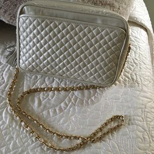 Vintage pearlescent purse.